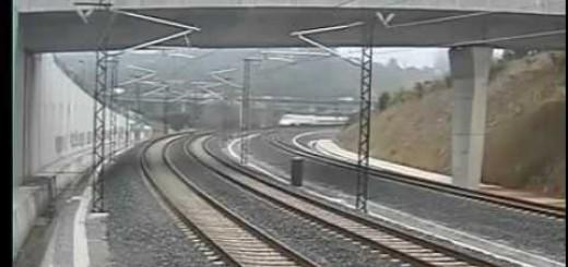 Câmara filmou descarrilamento de comboio a 190 km/hora (Espanha)