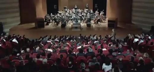 Jogadores convidados para assistir a um concerto de música clássica são surpreendidos