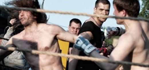 Lutador de MMA desafia alguém do público e acaba por ter uma surpresa