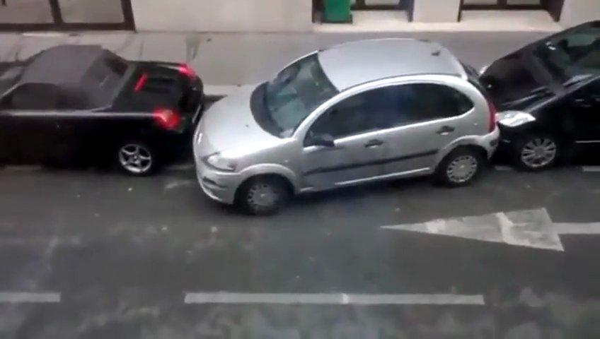 Mulher consegue estacionar num lugar impossível