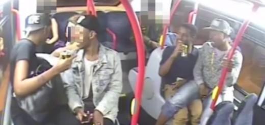 Mulher espancada por grupo de rapazes em autocarro