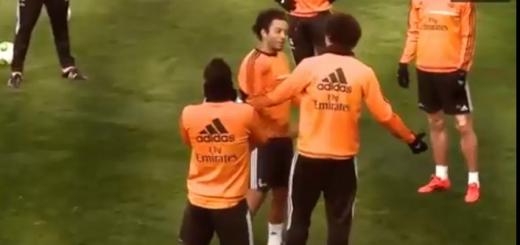 Cristiano Ronaldo dá bailinho a Pepe no treino, muito engraçado