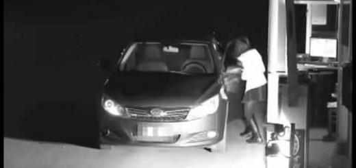 Mulher finge ser um fantasma para não pagar o estacionamento