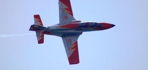 Avião cai num espetáculo aéreo em Espanha