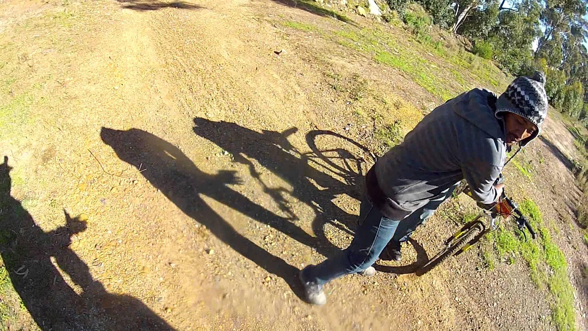 Ciclista grava vídeo do roubo da sua bicicleta