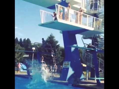 Nunca deves hesitar numa piscina de saltos