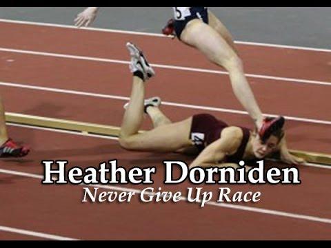 Mulher cai em prova de atletismo e ainda vai ganhar a corrida