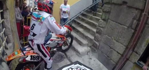 Alucinante prova de enduro nas ruas do Porto