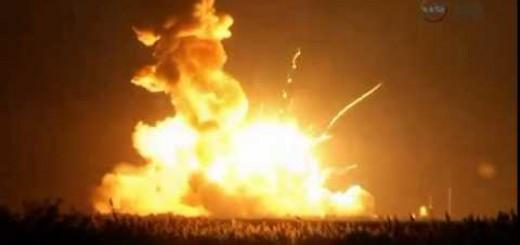 Foguetão Antares explode segundos depois de ser lançado