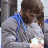 Ronaldo disfarça-se de sem-abrigo nas ruas de Madrid