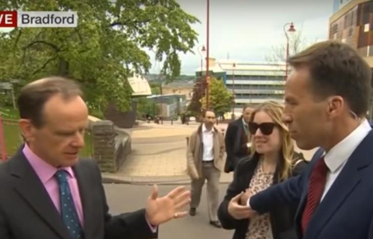 Apresentador da BBC tocou onde não devia