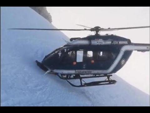 helicóptero faz resgate impressionante nos alpes